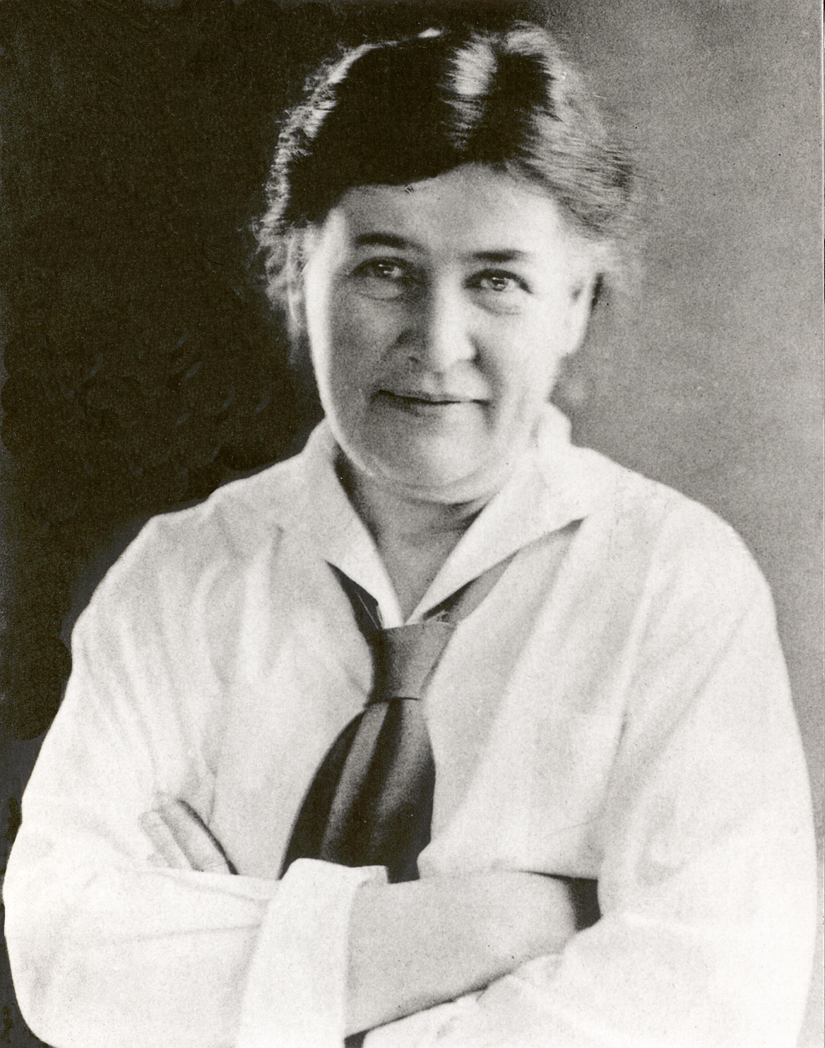 willa cather character analysis Using regionalist criticism and close textual analysis of willa cather  character dies furthermore, cather's  willa cather's reciprocal regionalism and w.