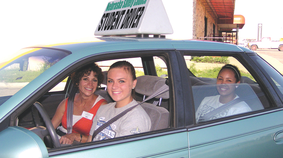 study driver s ed significantly reduces teen crashes tickets nebraska today university of. Black Bedroom Furniture Sets. Home Design Ideas