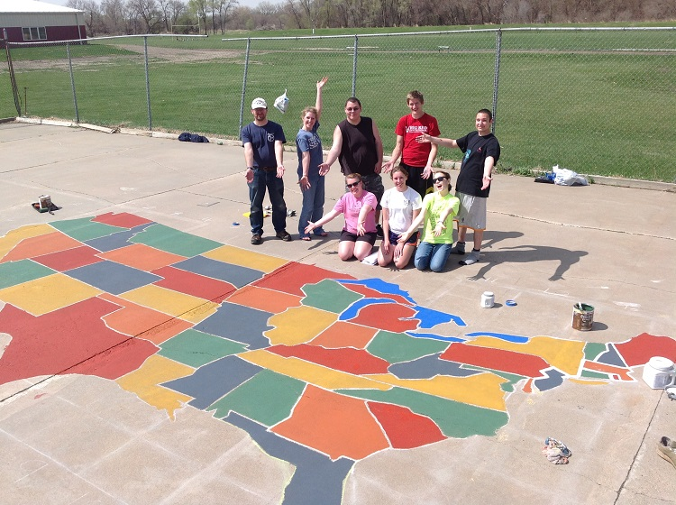 Geography Students Paint US Map At Local School Nebraska Today - Us map by schools