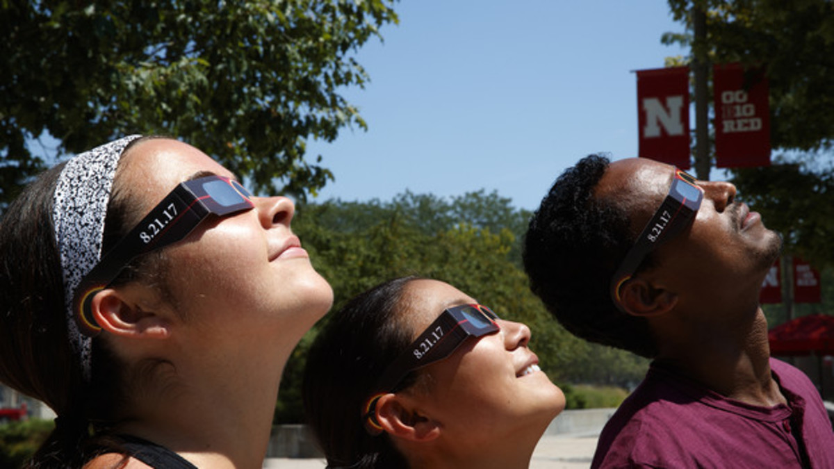 Husker students, faculty, staff to view eclipse together