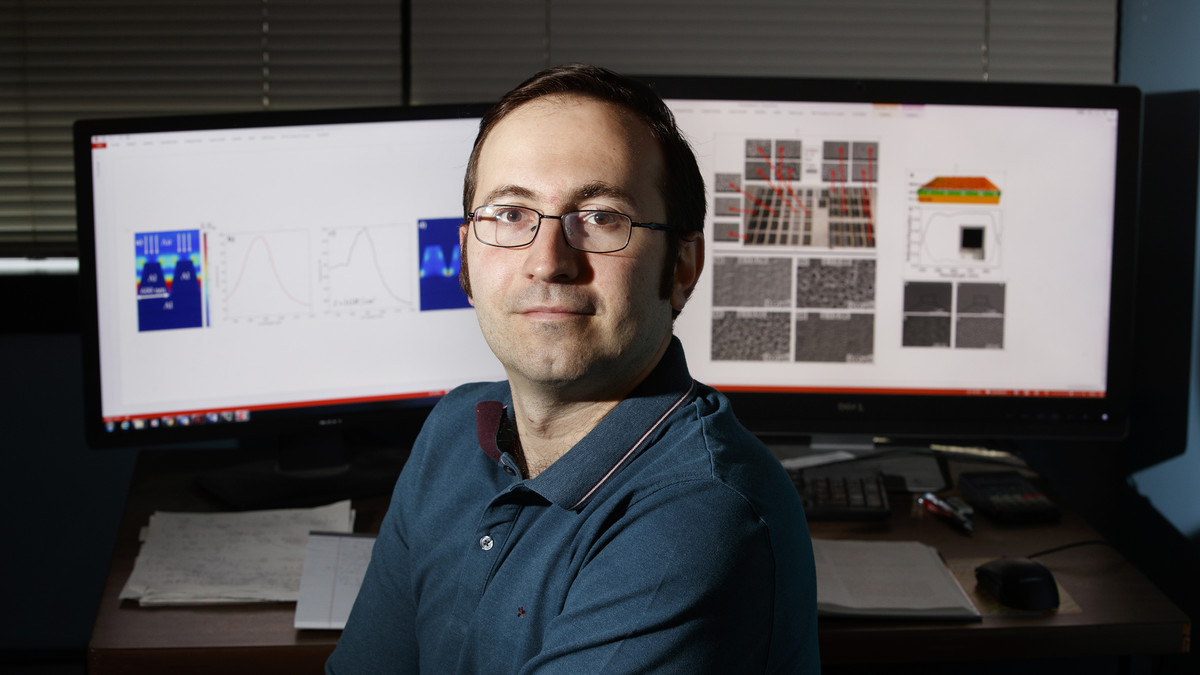 Navy award boosts Argyropoulos' laser research