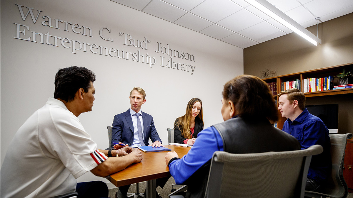 Law students gain experience, give back through Immigration Clinic