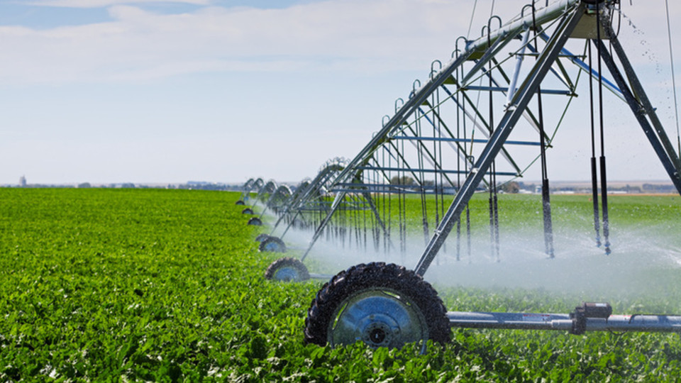 A new UNL Extension app is available to help irrigators calculate the amount of water pumped by their irrigation pumping plant.