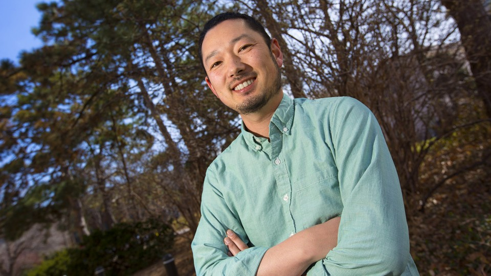 A new study by UNL's Daizaburo Shizuka shows a majority of animal groups follow a similar social blueprint in dominance and subordination.