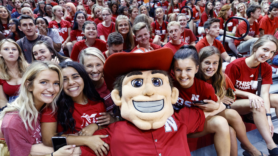 Herbie Husker poses with the crowd during New Student Convocation at the Devaney Center on Aug. 17.