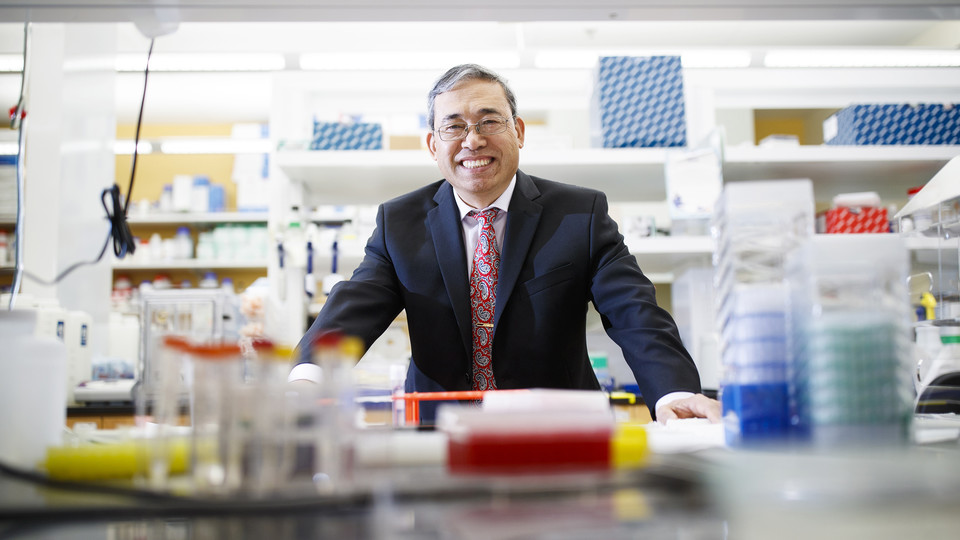 Nebraska's Qingsheng Li is part of a National Institutes of Health-funded project that may lead to improved HIV treatments.