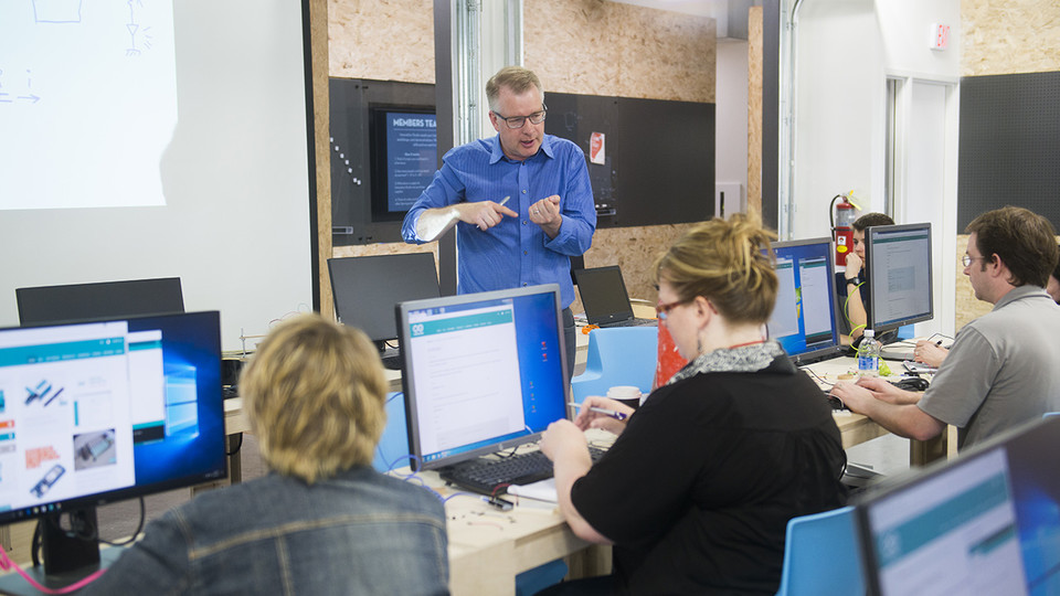Shane Farritor, professor of engineering at Nebraska and director of Nebraska Innovation Studio, leads a workshop in the Nebraska Innovation Campus makerspace. A new project led by the University of Nebraska-Lincoln will establish an Innovation Makerspace Co-Laboratory in Sidney.