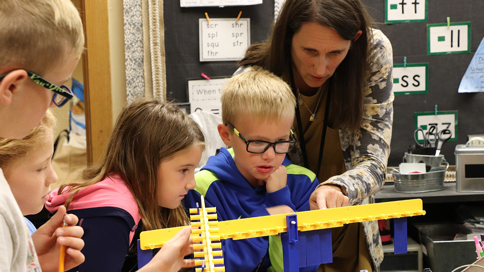 Jennifer Jones, a second-grade teacher at Gretna Elementary School, works with her students on a math lesson. Up to 15 rural Nebraska elementary teachers are being sought to participate in the NebraskaSTEM leadership development program at the University of Nebraska–Lincoln.