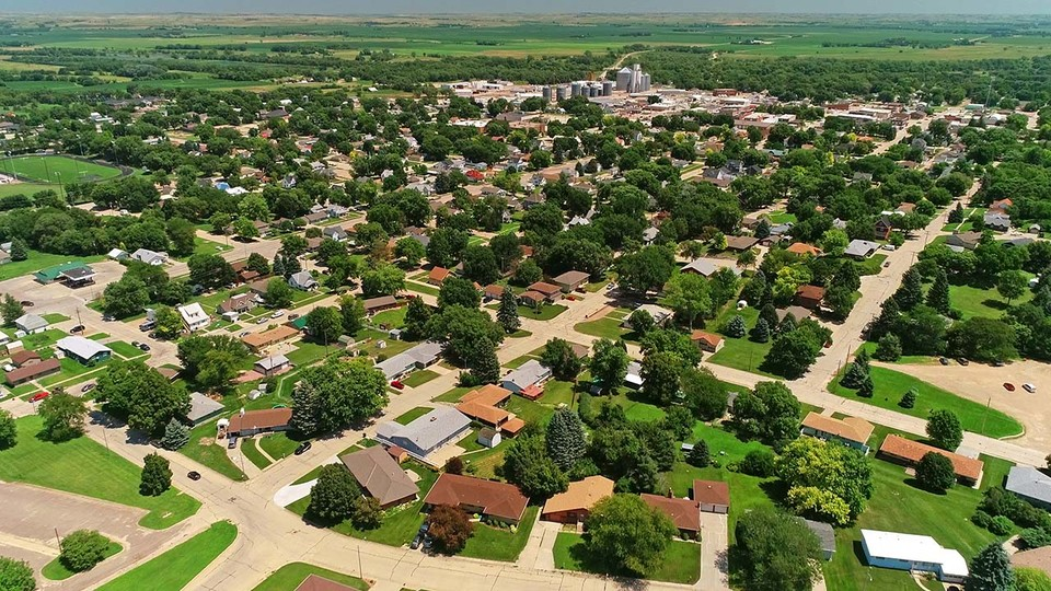 Six in 10 rural Nebraskans surveyed are using the internet to save money by price matching or bargain hunting, and about one-third are generating income by buying or selling items online, according to the 2018 Nebraska Rural Poll.