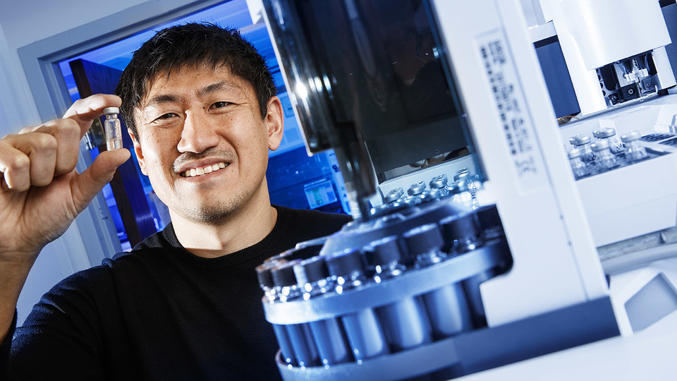 Toshihiro Obata, assistant professor of biochemistry at Nebraska, is investigating a key component of metabolic regulation that will improve scientific understanding of metabolism and the many ways it can go awry. He has earned a five-year, nearly $750,000 Faculty Early Career Development Program award from the National Science Foundation to continue his research.