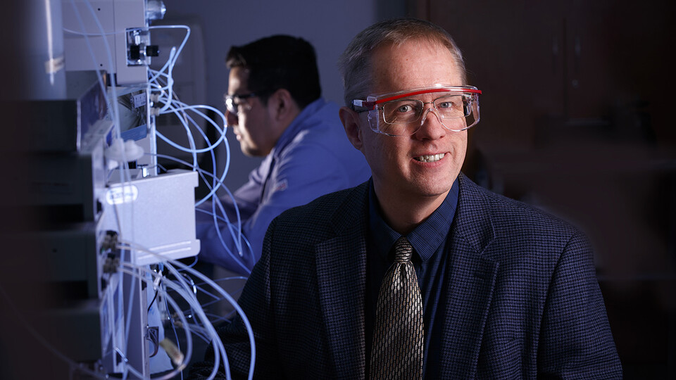 Nebraska chemist David Hage is helping design a new COVID-19 antibody test through collaboration with the company ni2o Inc. He is developing the test using previously patented research in rapid affinity chromatography, which separates compounds from complex samples, making them easier to detect.