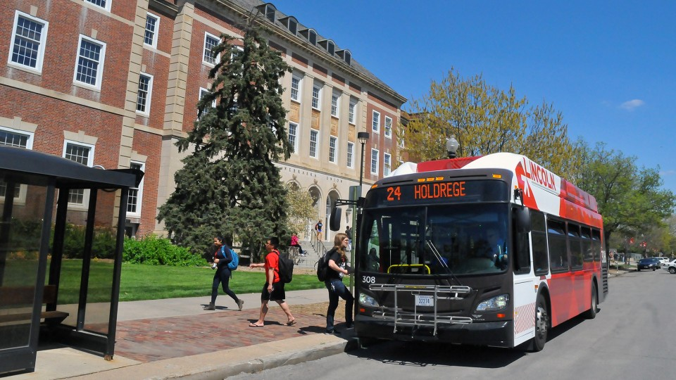 An intercampus bus makes a stop outside the Nebraska Union on April 29. UNL add two new bus routes in the fall, connecting City and East campuses with Nebraska Innovation Campus.