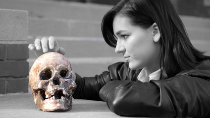 Student production features new twist on 'Hamlet'