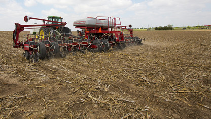Nebraska ag land values decline 4 percent