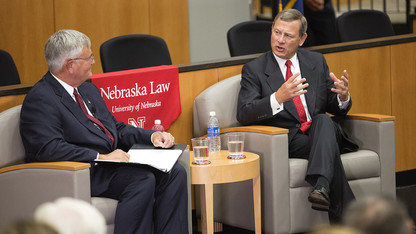 Chief Justice Roberts' visit draws 500