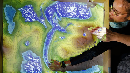 Sandbox offers literal 'hands-on' lesson in geosciences