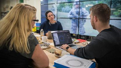 Husker alum uses art to tell veteran's story