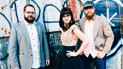 April Verch Band plays the Lied on April 16