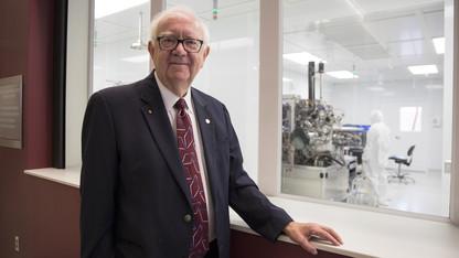 UNL wins $3.5M NSF grant for nanoscience center