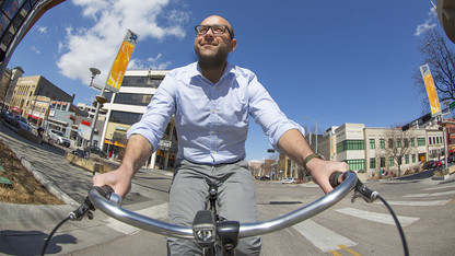 Study reveals a 'Wild West' with rules of the biking road