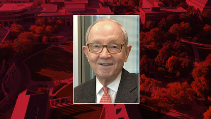 Noddle earns Lifetime Achievement Award from College of Business