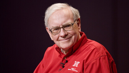 Buffett to provide send-off for Nebraska's December graduates