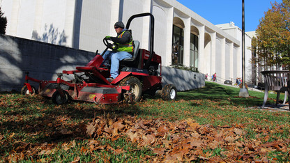 Repurposing campus leaves helps expand sustainability