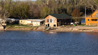Nebraska students begin flood serviceship projects