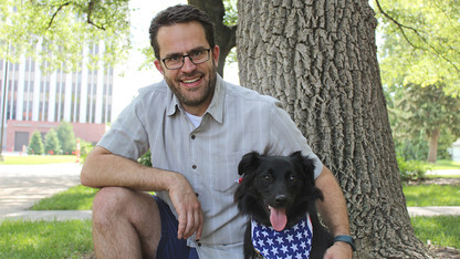 Red, white and bark: Stevens offers tips to soothe anxious canines