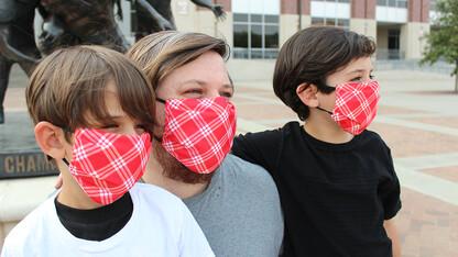 Alumni association offers mask donation program