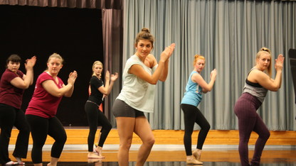 'Memphis' cast members hold master class with dance students