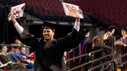 Nearly 800 receive UNL degrees