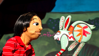 'Dream Carver' puppets play the Lied