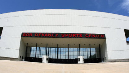 World Series trophy tour to stop at Devaney Center