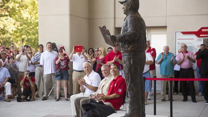 Devaney statue unveiled