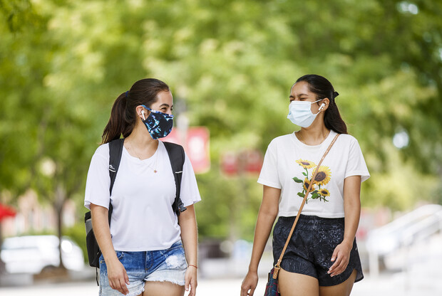 Anamaría Guzmán Cárdenas and Shridula Hegde walk through city campus Aug. 4, 2020. Despite the difficulties caused by COVID-19, the pandemic also led Cárdenas to discover she could combine her two loves — science and dance — in a future career.