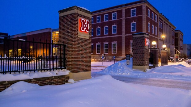 Blanket of snow covers UNL campus