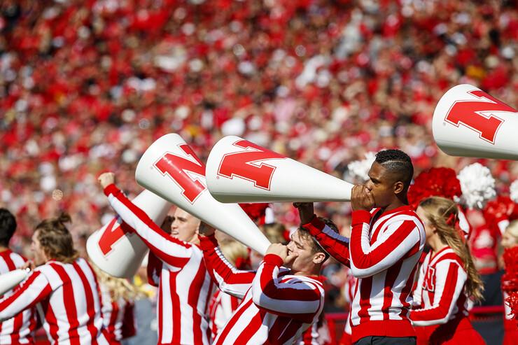 Ramarro Lamar — Cheer Squad