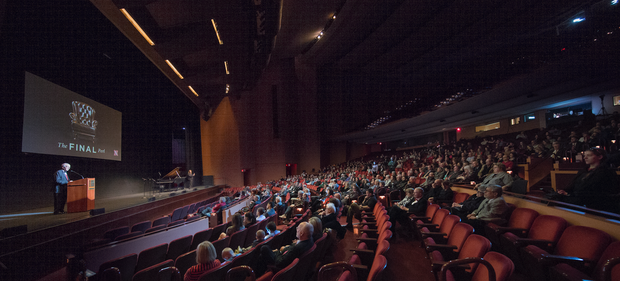 """Perlman addresses the crowd at """"The Final Perl"""" at the Lied Center for Performing Arts."""