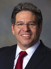 Lance C. Pérez