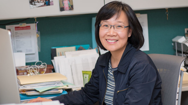 Soo-Young Hong is studying a professional development program that encourages preschool teachers to integrate science into classroom acvities.